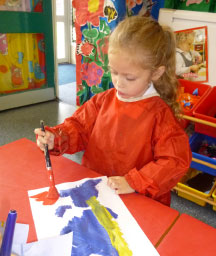 longford-park-primary-child-painting